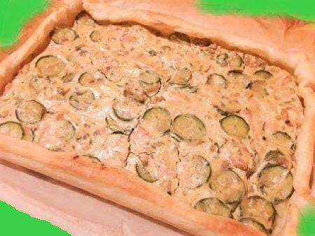 Torta salata con salmone e zucchine