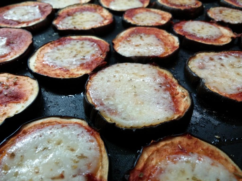 Crisp pizzette di melanzane con cottura al microonde - Forno a microonde con crisp ...