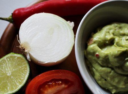 Guacamole fatto in casa, facile e veloce