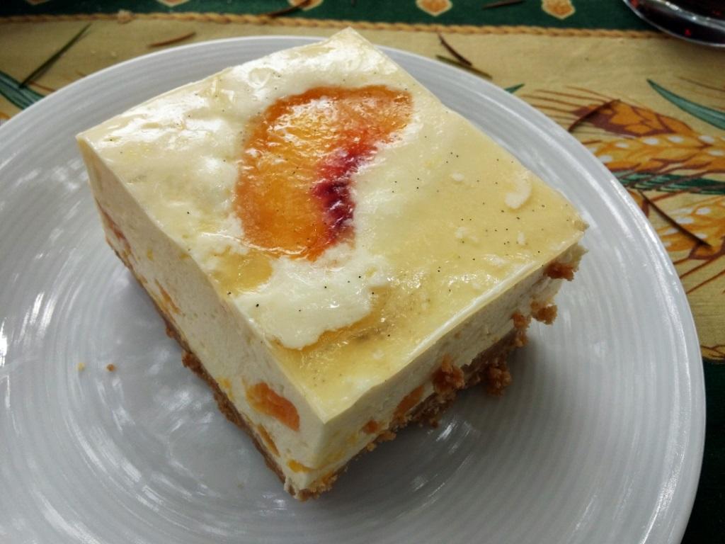 Cheesecake alle pesche e vaniglia