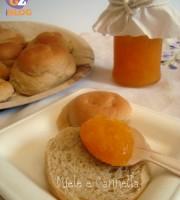 Maritozzi con farina di farro senza uova e latte