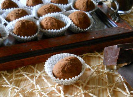 Tartufi di cioccolato. Ricetta base facile