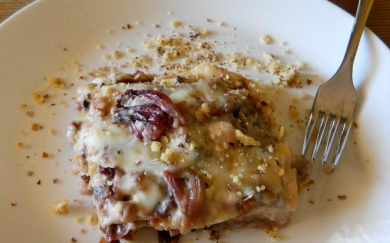 Lasagne fresche con radicchio, gorgonzola al mascarpone e noci
