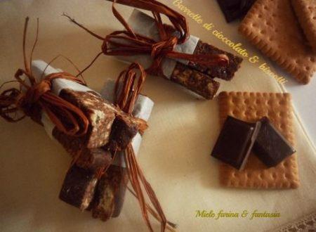 Barrette di cioccolato e granella di biscotti.Ricetta per bambini