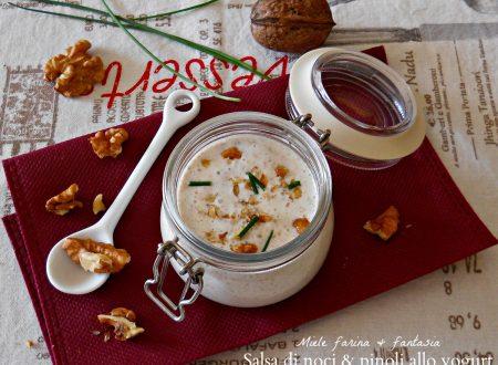 Salsa di noci e pinoli con yogurt naturale