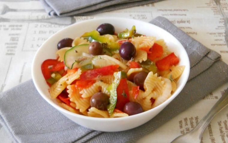 Insalata di pasta vegetariana