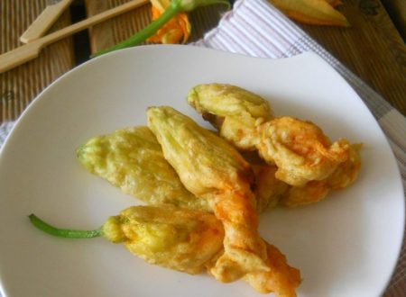 Fiori di zucca in pastella ripieni di ricotta e basilico