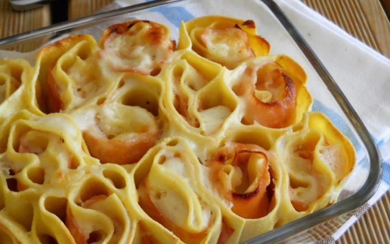 Rose di pasta ripiene al forno