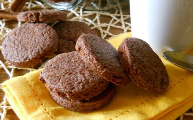 Biscotti al cacao e cannella