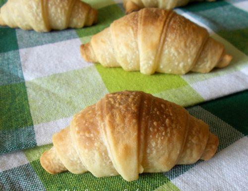 Cornetti mignon per buffet senza uova e burro