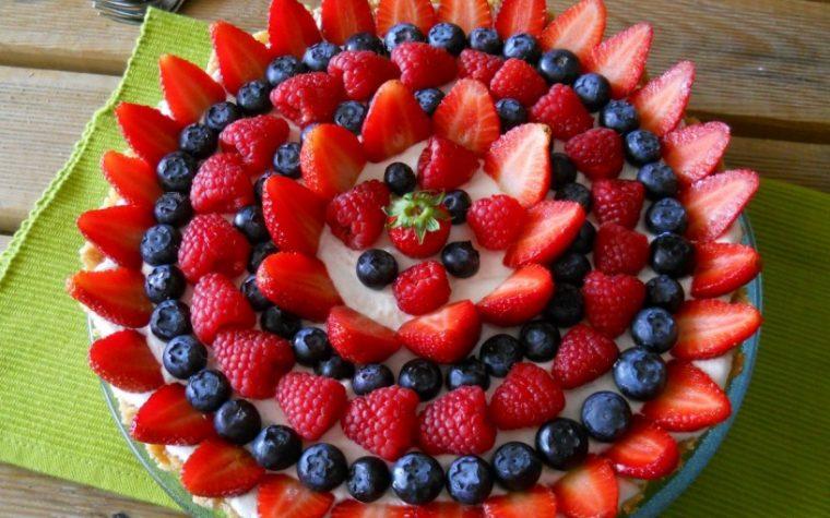 Delizia ai frutti di bosco.Dolce senza cottura