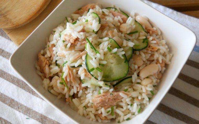 Insalata di riso con tonno fagioli e cetrioli