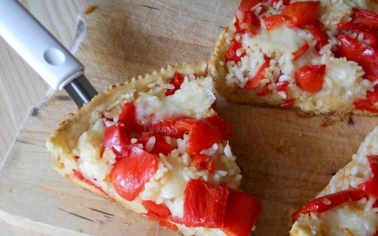 Torta salata con riso e peperoni