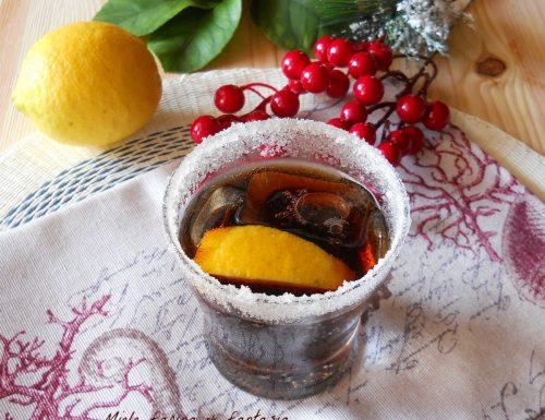 Cocktail al rhum e chinotto
