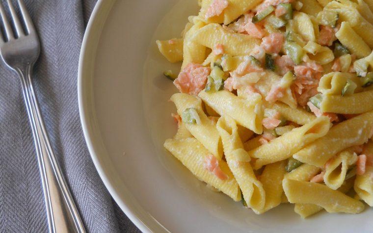 Garganelli con zucchine e salmone affumicato