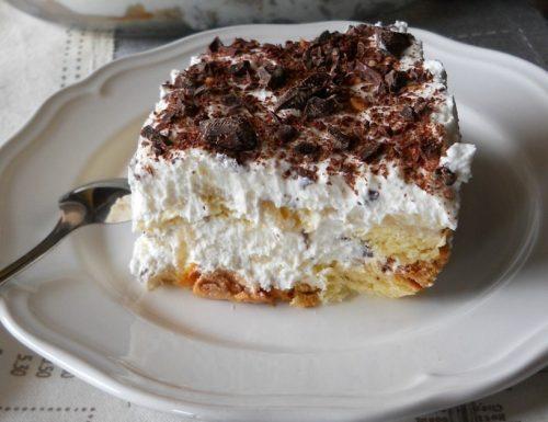 Torta con crema di ricotta pere e cioccolato senza cottura