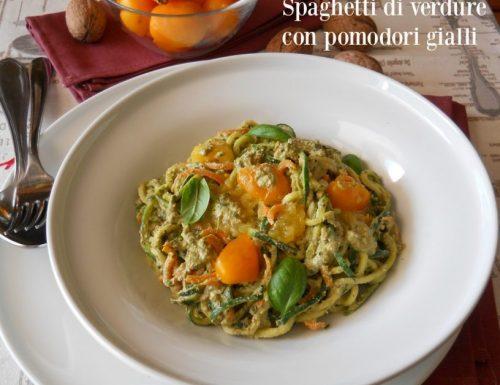 """Spaghetti di verdure con pomodori gialli del """"piennolo"""""""