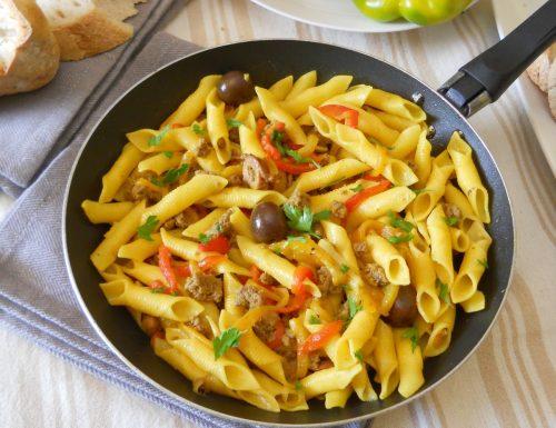 Garganelli con salsicce e peperoni
