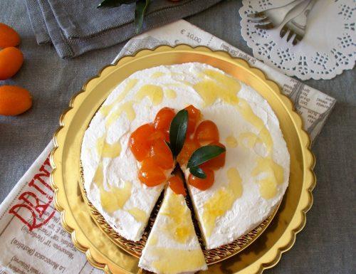 Cheesecake con frutti di Kumquat e cioccolato. Ricetta senza cottura