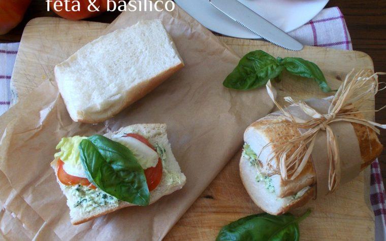 Panini con pomodorini crema di basilico e feta