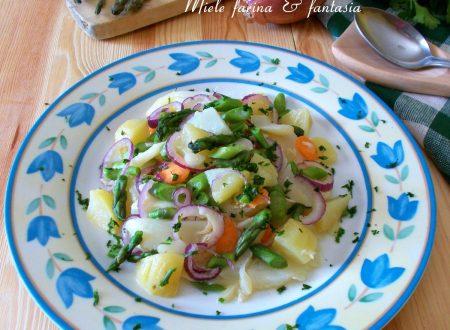 Insalata di patate con stoccafisso e asparagi