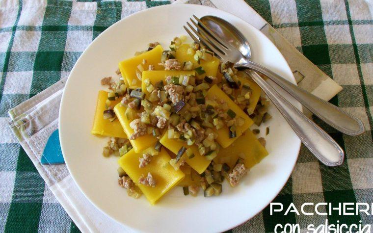 Paccheri con salsiccia zucchine e melanzane