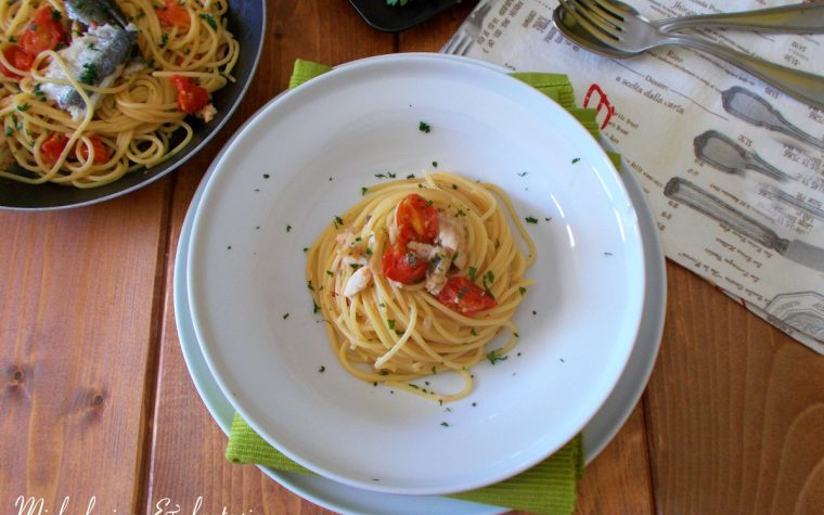 Spaghetti con aluzzi e pomodorini