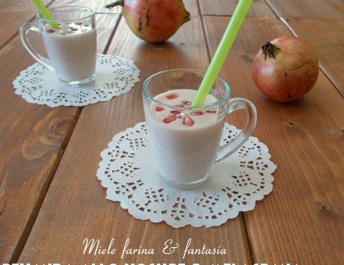 Bevanda allo yogurt e melagrana