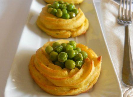 Cestini di patate ripieni di piselli