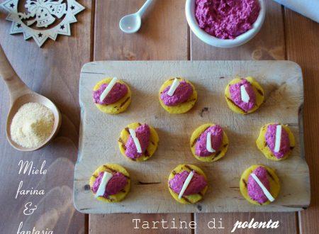 Tartine di polenta con crema alla barbabietola