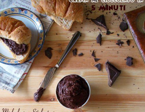 Crema al cioccolato pronta in 5 minuti