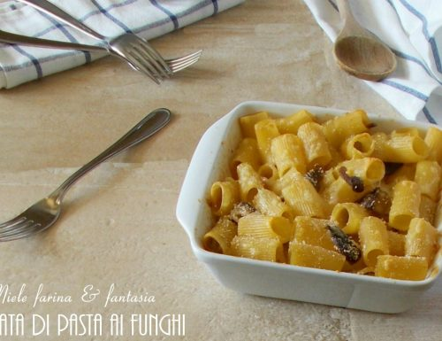 Frittata di pasta al forno con funghi