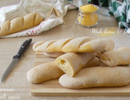 Filoncini di pane con farina di mais gialla