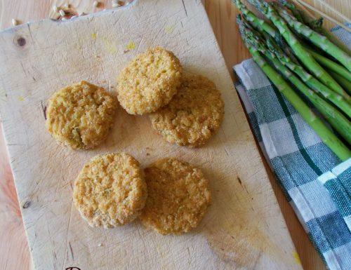 Burger di orzo perlato al forno con asparagi