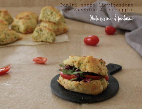 Panini senza lievitazione con zucchine e provolone