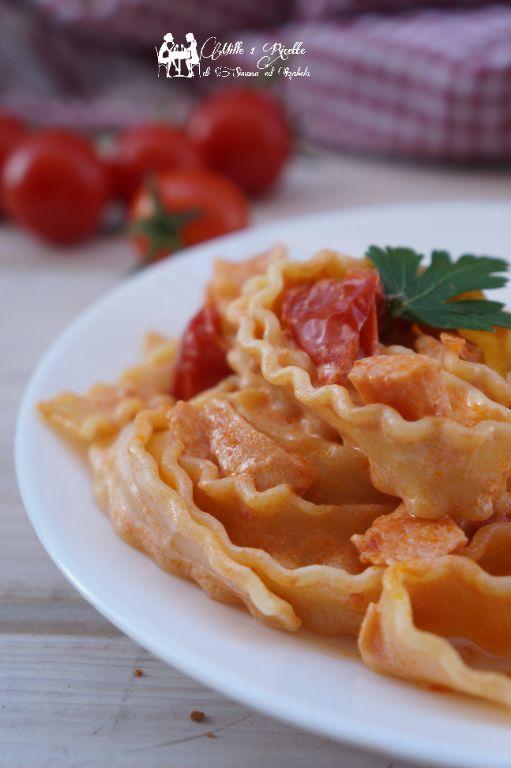 Mafaldine con salmone e pomodoro