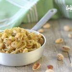 Spaghetti con gambero e granella di pistacchio