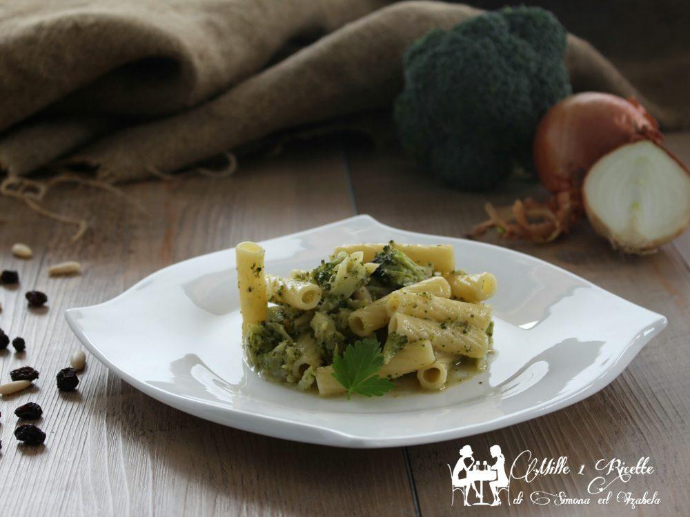 Pasta con broccoletti e colatura di alici