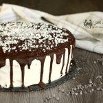 Drip cake con crema chantilly