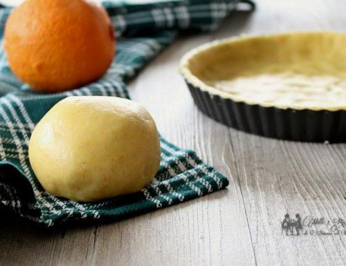 Pasta frolla all'arancia senza uova e latte
