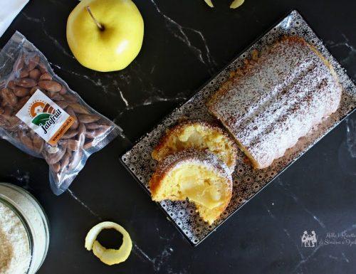 Plumcake di mele e mandorle con yogurt greco