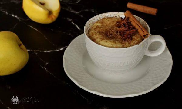 MugCake leggera mela e cannella pronta in 5 minuti