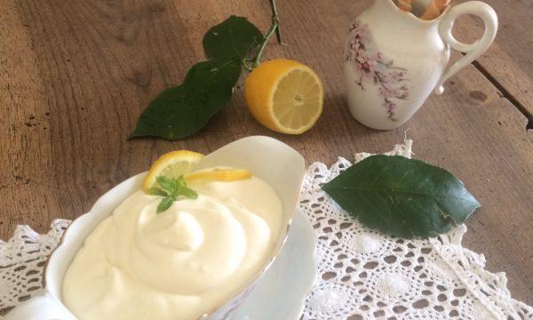 Mousse crema di latte al limone