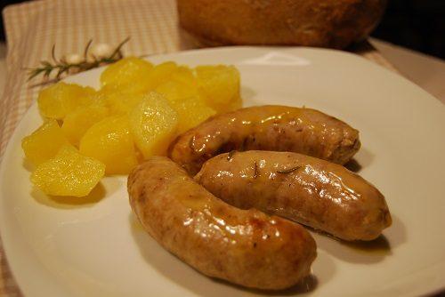 Salsicce e Patate al Varoma Ricetta Bimby TM5 e TM31