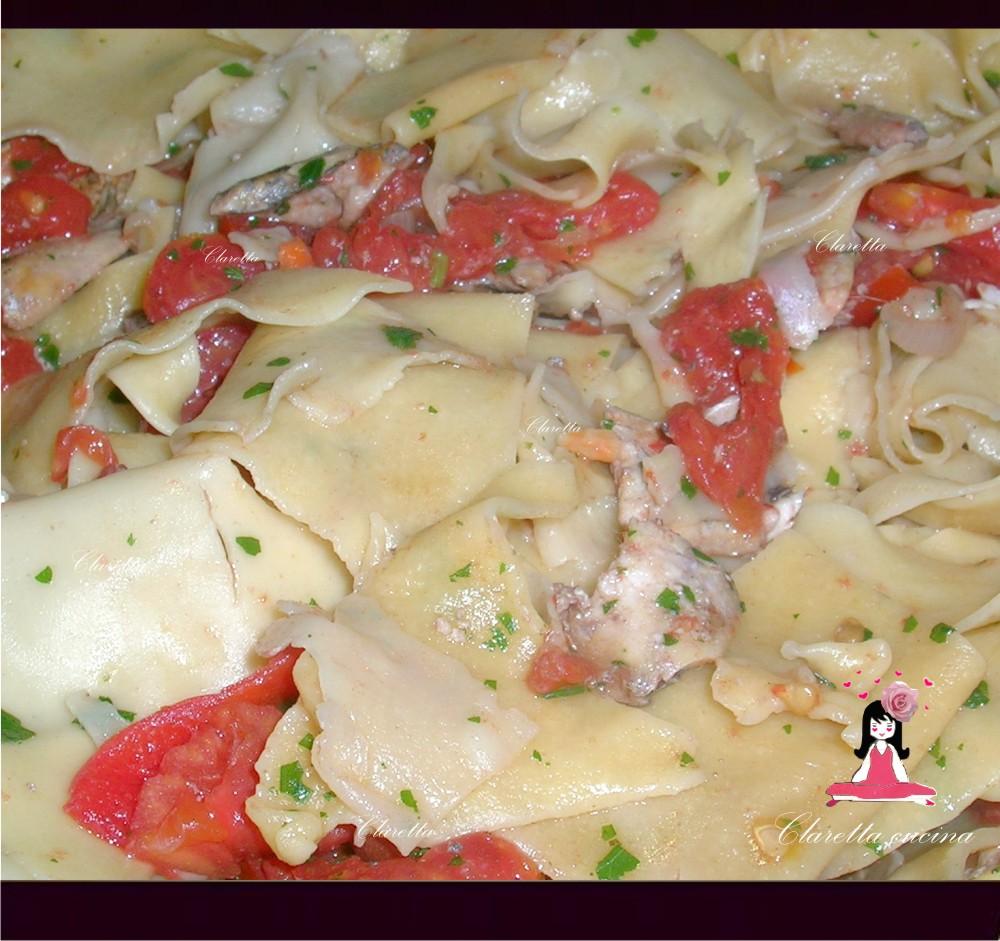 Straccetti di pasta,  Pasta al sugo, Sugo di pesce, Ricetta semplice