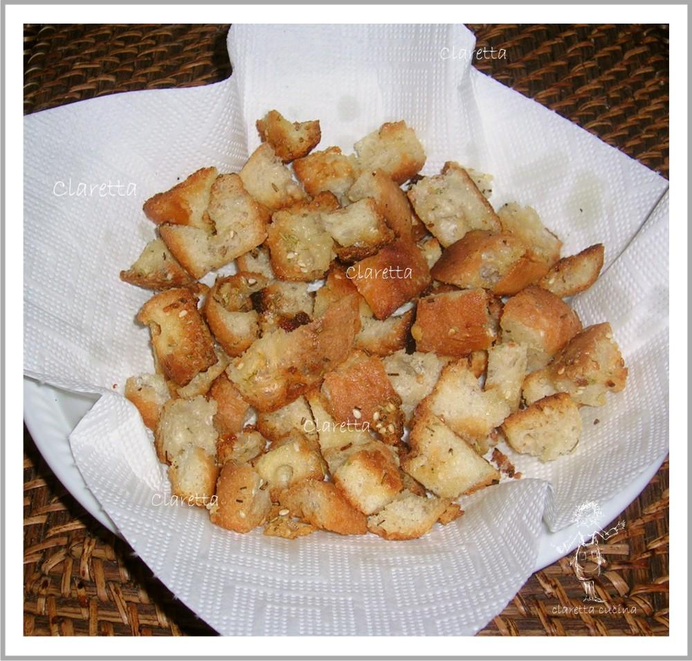 Crostini al rosmarino dal pan vecio, Crostini di pane, Ricetta crostini veloci