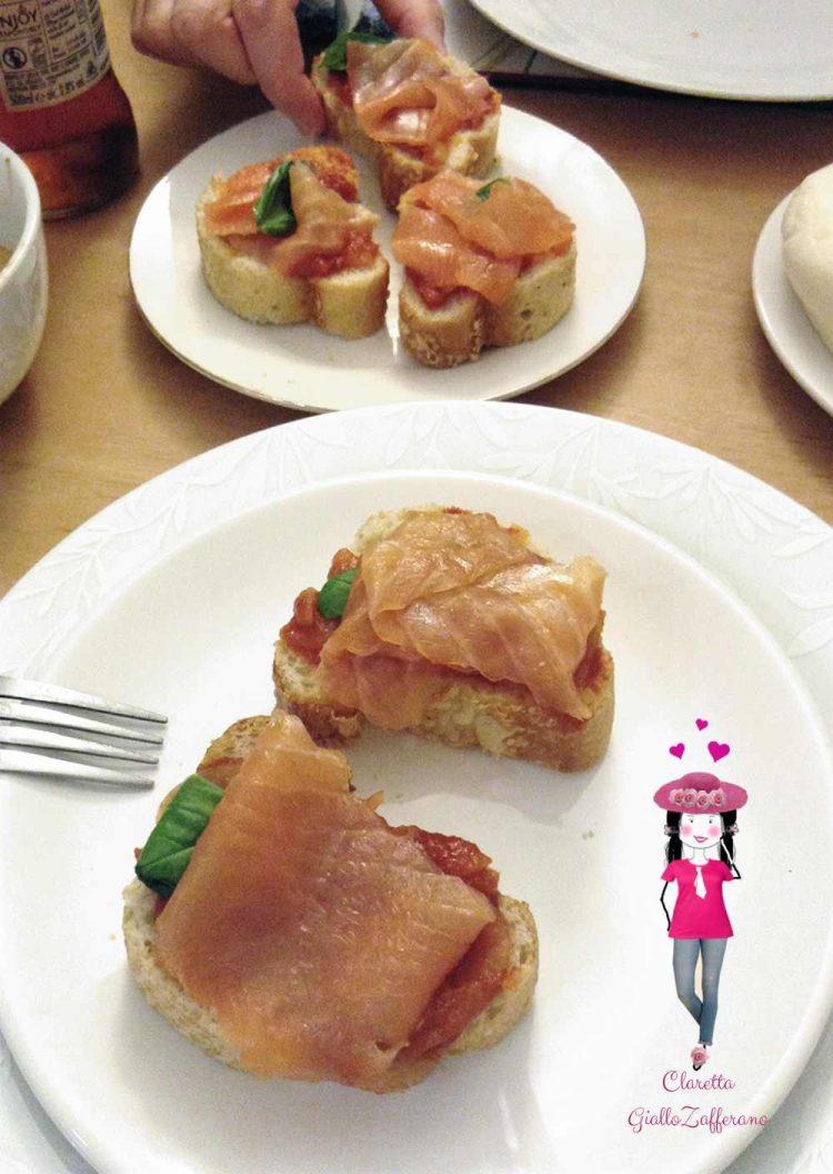 Bruschetta al salmone