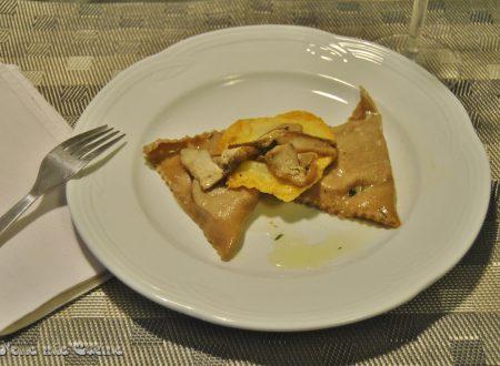 Triangoli di castagne ripieni con porcini