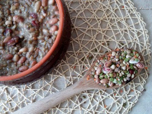 Zuppa di Legumi con Orzo e Farro