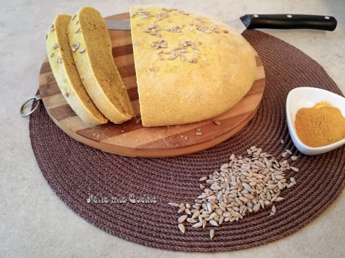 Pane alla Curcuma e Semi di Girasole